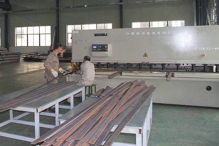 vehicle lift factory
